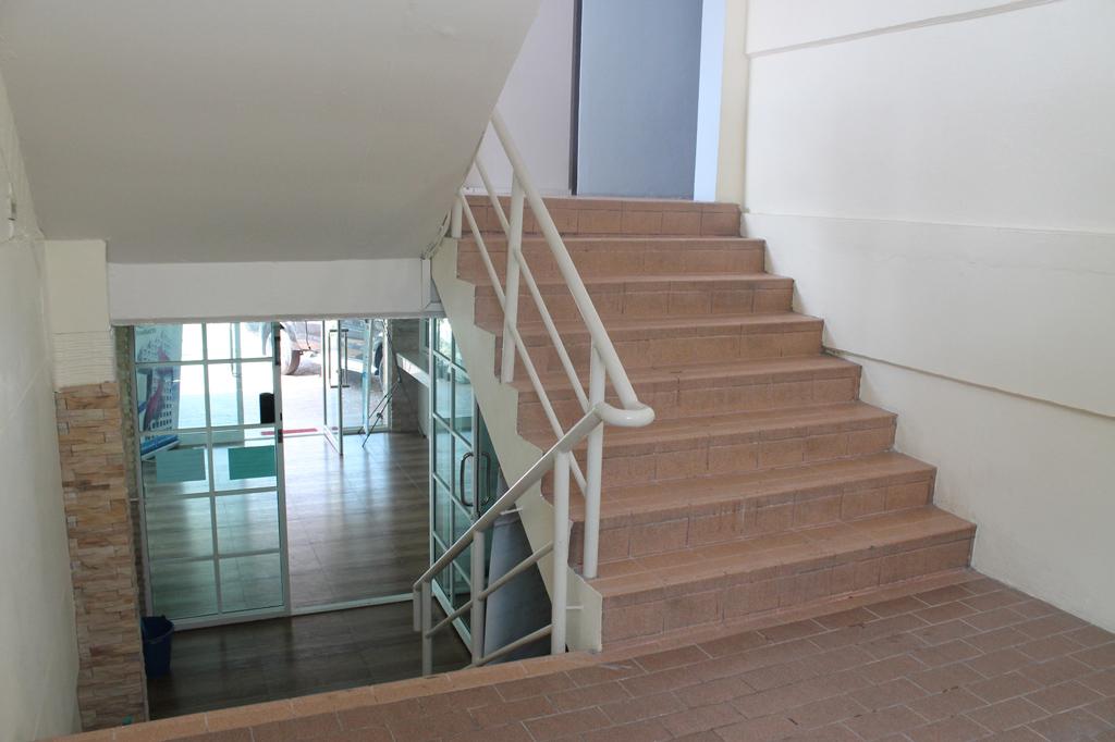 ทางขึ้นห้องพัก kk53-mansion